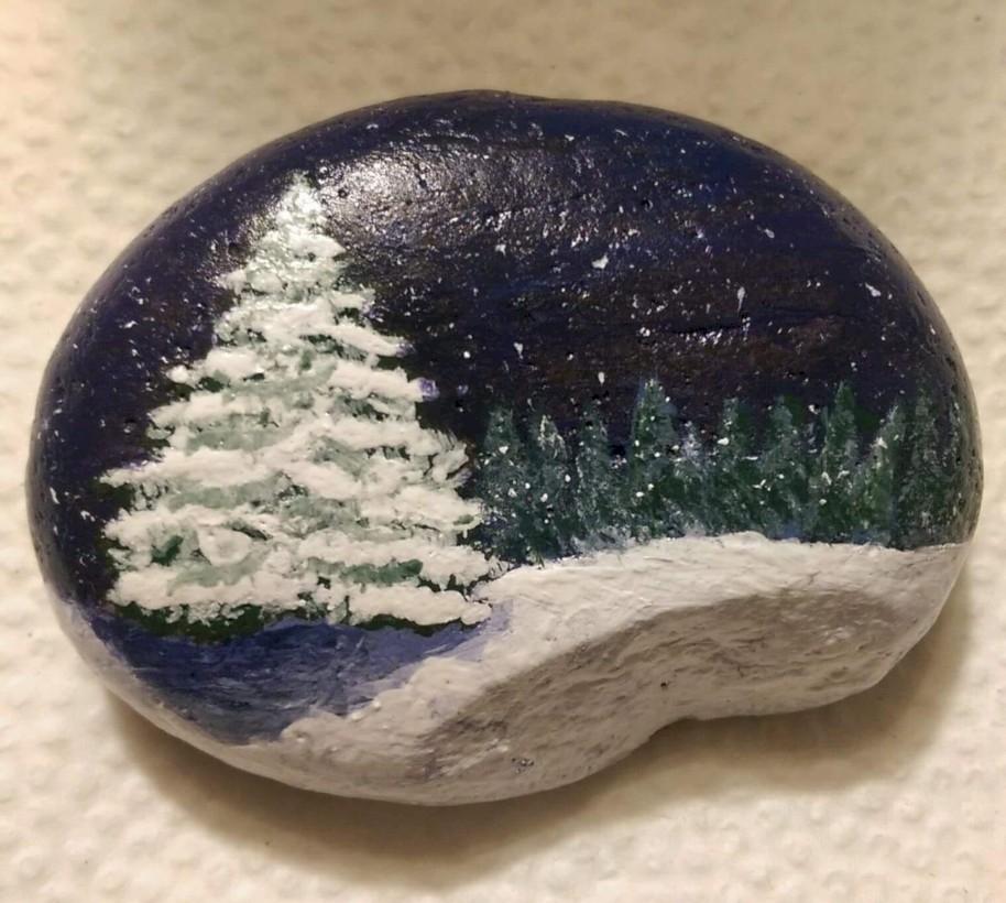 39 Beautiful Christmas Rock Painting Ideas GODIYGOCOM
