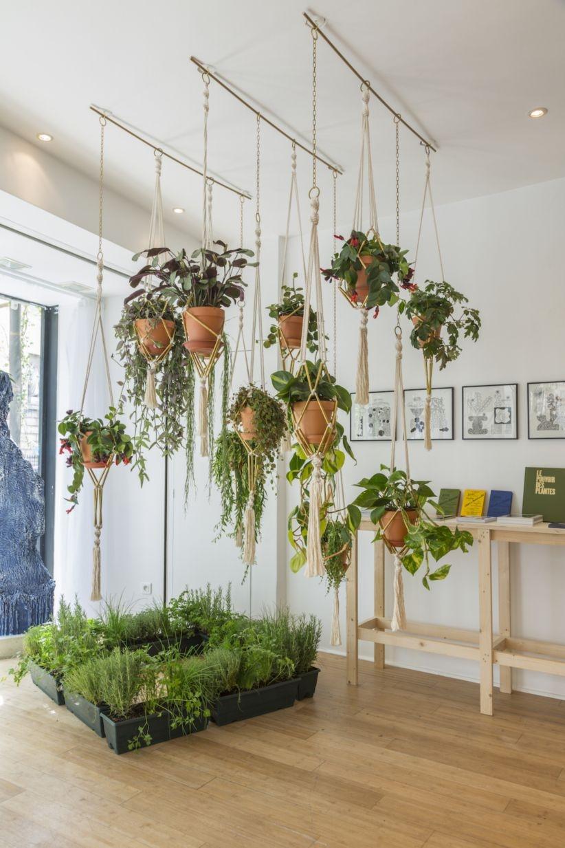 41 diy indoor hanging planters godiygo com. Black Bedroom Furniture Sets. Home Design Ideas