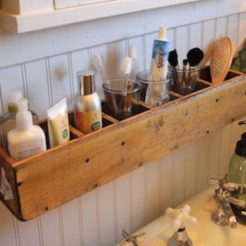 Diy rustic bathroom decor ideas for storage godiygo com for Diy rustic bathroom ideas