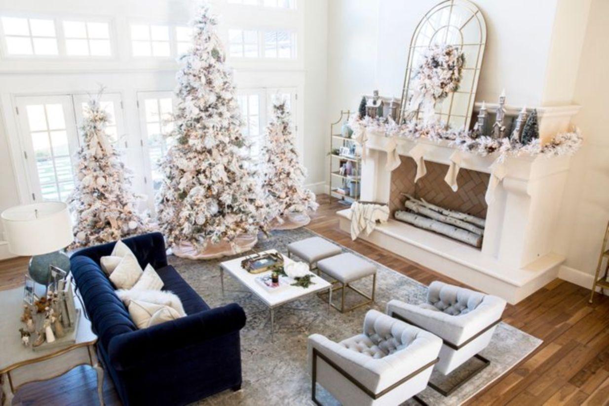 42 elegant decorating ideas for white christmas godiygo com for Home ideas for christmas decor