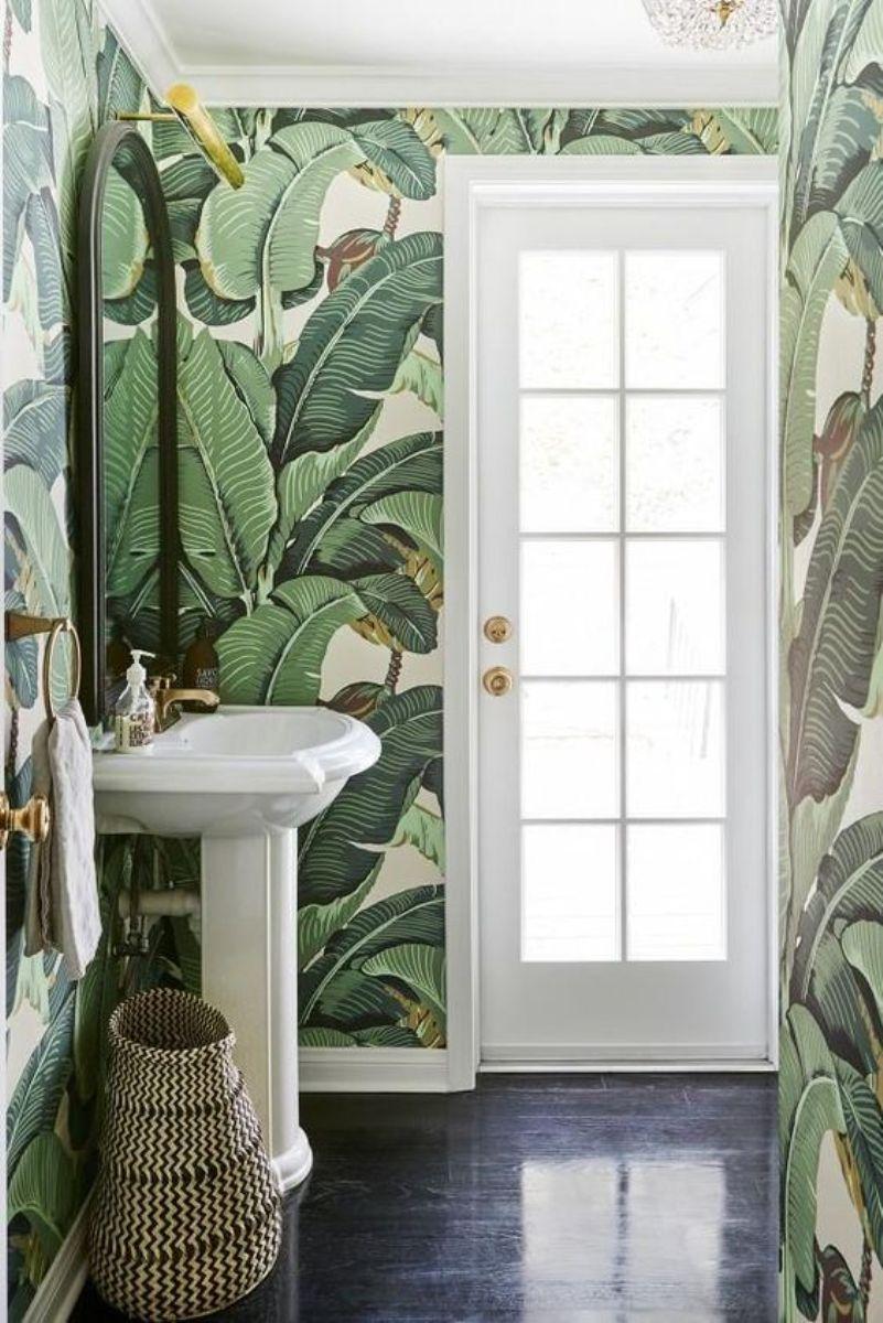 Bold Tropical Leaf Wallpaper