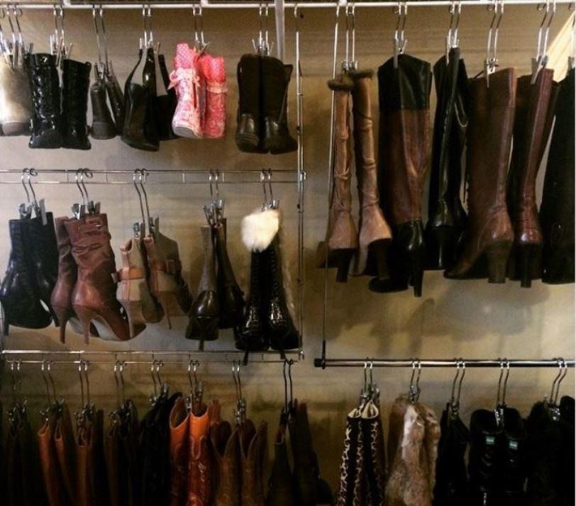 Boots hanger