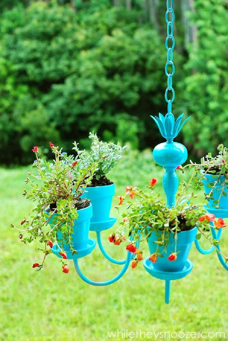 Awesome DIY Hanging Planter That You Can Copy To Create Your Own Garden Without Using A Lot Of Space
