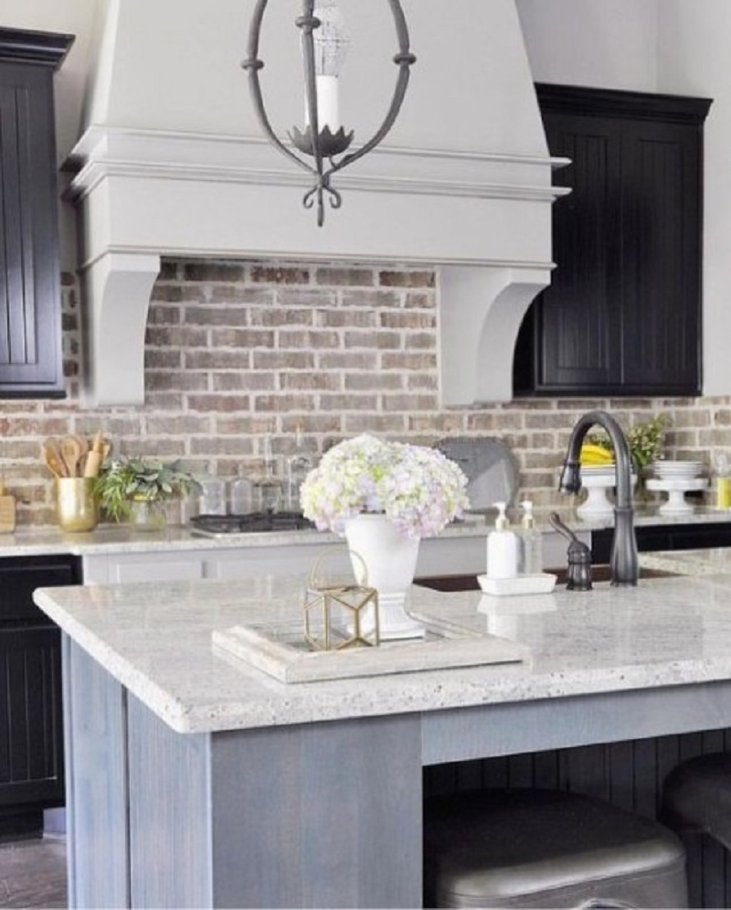 Elegant neutral kitchen